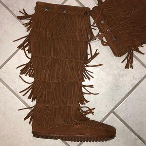 Minnetonka Festival boho Layer Fringe Boot Brown
